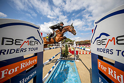 RÜDER Hans Thorben (GER), SINGU<br /> Münster - Turnier der Sieger 2019<br /> MARKTKAUF - CUP<br /> BEMER-Riders Tour - Qualifier for the rating competition (comp no 11)  - Stechen<br /> CSI4* - Int. Jumping competition with jump-off (1.50 m) - Large Tour<br /> 03. August 2019<br /> © www.sportfotos-lafrentz.de/Stefan Lafrentz