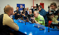 MADRID, SPAIN - Tuesday, October 21, 2008: Liverpool's goalkeeper Pepe Reina faces the Spanish photographers during a press conference at the Vicente Calderon ahead of the UEFA Champions League Group D match against Club Atletico de Madrid. (Photo by David Rawcliffe/Propaganda)