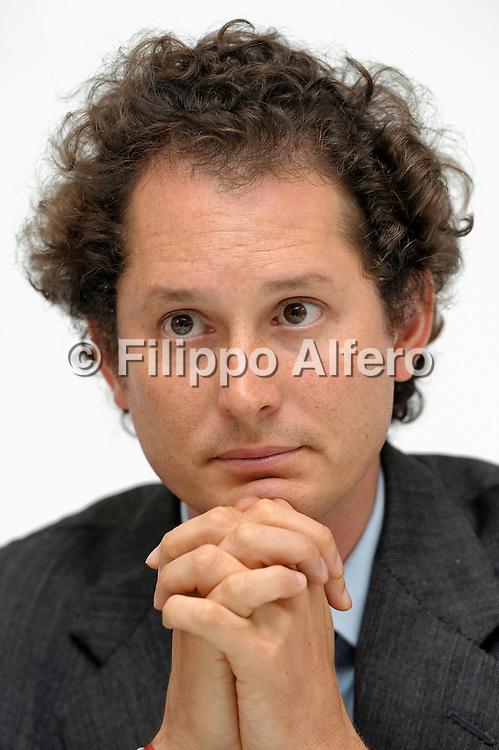&copy; Filippo Alfero<br /> Torino, 04/04/2012<br /> Assemblea Azionisti Fiat<br /> Nella foto: John Elkann in conferenza stampa