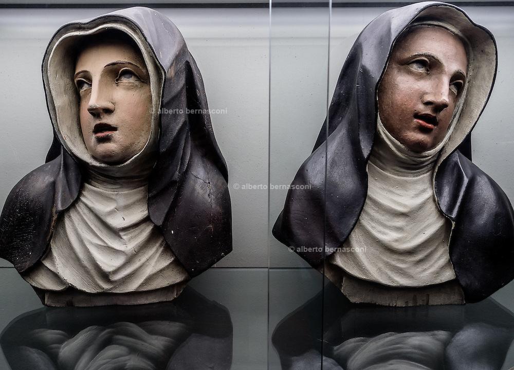 Belgium , Antwerp, statue in a church