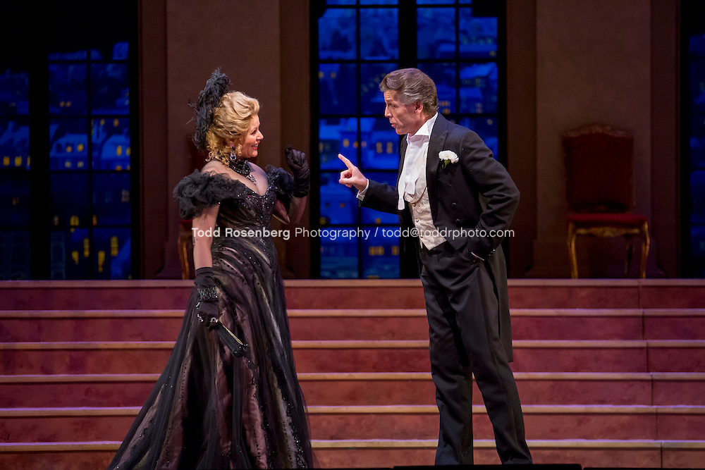 11/11/15 1:33:06 PM -- <br /> The Lyric Opera of Chicago Presents<br /> &quot;The Merry Widow&quot;<br /> Renee Fleming<br /> <br /> &copy; Todd Rosenberg Photography 2015