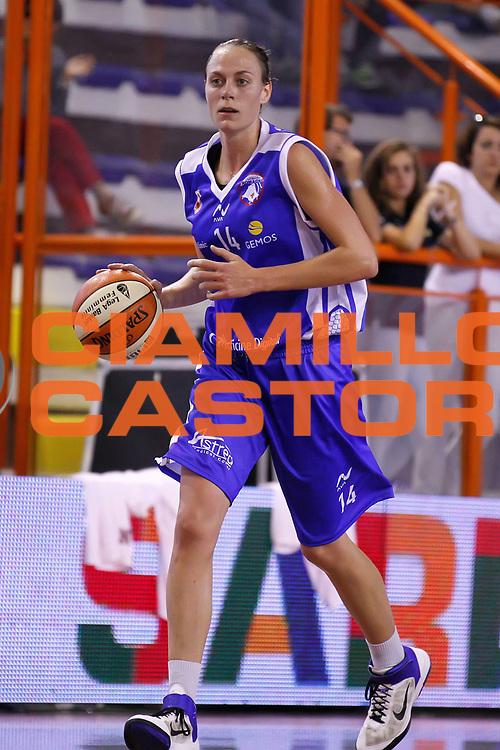DESCRIZIONE : Pescara Lega A1 Femminile 2012-13 Opening Day 2012 <br /> Goldbet Taranto Club Atletico Romagna Faenza<br /> GIOCATORE : Kathrin Ress<br /> SQUADRA : Club Atletico Romagna Faenza<br /> EVENTO : Campionato Lega A1 Femminile 2012-2013 <br /> GARA : Goldbet Taranto Club Atletico Romagna Faenza<br /> DATA : 14/10/2012<br /> CATEGORIA : <br /> SPORT : Pallacanestro <br /> AUTORE : Agenzia Ciamillo-Castoria/ElioCastoria<br /> Galleria : Lega Basket Femminile 2012-2013 <br /> Fotonotizia : Pescara Lega A1 Femminile 2012-13 Opening Day 2012 Goldbet Taranto Club Atletico Romagna Faenza<br /> Predefinita :