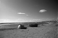 Lungo la litoranea jonico salentina non Ë difficile imbattersi in imbarcazioni lasciate sulla spiaggia, segno della cultura marinara della Puglia.