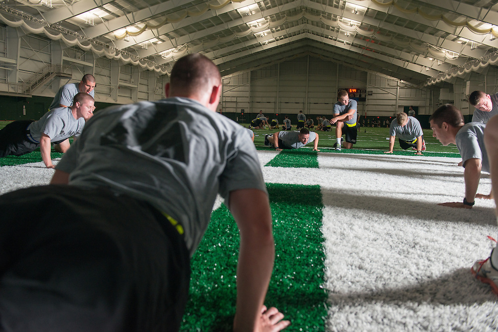 ROTC in Walter Fieldhouse. © Ohio University / Photo by Ben Siegel