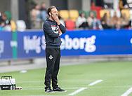 FODBOLD: Assistenttræner Brian Gellert (FC Helsingør) kigger på under kampen i NordicBet Ligaen mellem Silkeborg IF og FC Helsingør den 28. april 2019 på JYSK Park i Silkeborg. Foto: Claus Birch