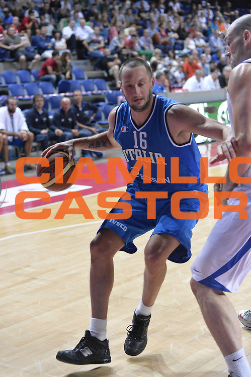 DESCRIZIONE : Anversa European Basketball Tour Antwerp 2013 Italia Israele Italy Israel<br /> GIOCATORE : Guido Rosselli<br /> CATEGORIA : penetrazione<br /> SQUADRA : Nazionale Italia Maschile Uomini<br /> EVENTO : European Basketball Tour Antwerp 2013 <br /> GARA : Italia Israele Italy Israel<br /> DATA : 18/08/2013<br /> SPORT : Pallacanestro<br /> AUTORE : Agenzia Ciamillo-Castoria/GiulioCiamillo<br /> Galleria : FIP Nazionali 2013<br /> Fotonotizia : Anversa European Basketball Tour Antwerp 2013 Italia Israele Italy Israel<br /> Predefinita :