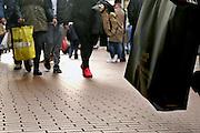 Nederland, Nijmegen, 15-10-2016 Winkelend publiek, winkelende mensen, lopen door een winkelstraat. FOTO: FLIP FRANSSEN