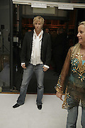 RICK PARFITT, The BladeRun Send-off party. The Henry Moore Gallery SW7, Royal College of Art. 16 August 2006.  ONE TIME USE ONLY - DO NOT ARCHIVE  © Copyright Photograph by Dafydd Jones 66 Stockwell Park Rd. London SW9 0DA Tel 020 7733 0108 www.dafjones.com