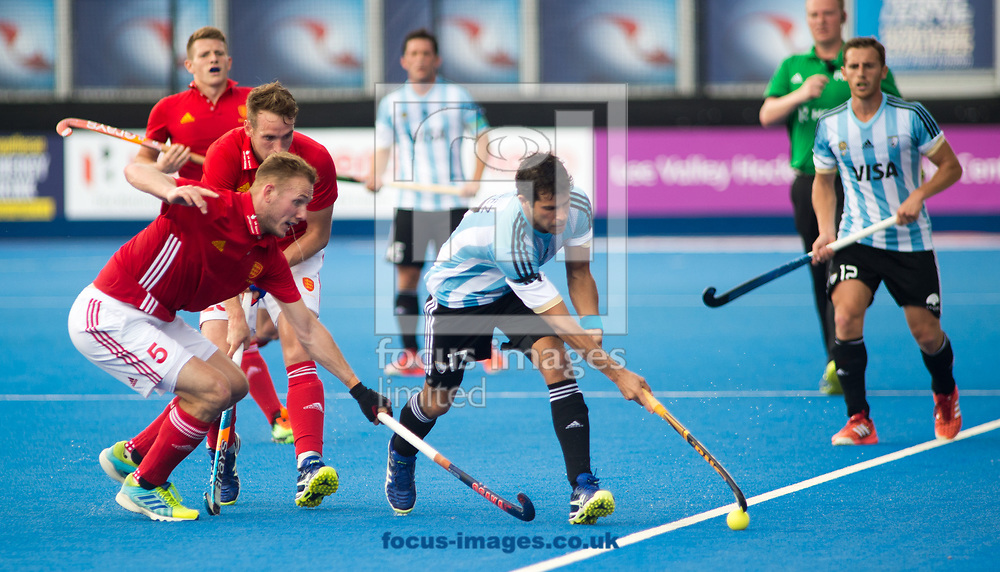 Juan Lopez of Argentina and David Ames of England battle for the ball on day four of the Men's Hero Hockey World League Semi-Finals at Lee Valley Hockey Centre, Stratford<br /> Picture by Hannah Fountain/Focus Images Ltd 07814482222<br /> 18/06/2017