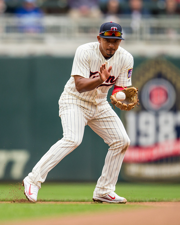 MINNEAPOLIS, MN- APRIL 5: Eduardo Escobar #5 of the Minnesota Twins fields against the Kansas City Royals on April 5, 2017 at Target Field in Minneapolis, Minnesota. The Twins defeated the Royals 9-1. (Photo by Brace Hemmelgarn) *** Local Caption *** Eduardo Escobar