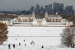 © Licensed to London News Pictures. 28/02/2018. London, UK. A general view of Greenwich Park covered in snow following heavy snowfall and sub zero temperatures overnight. The cold weather originating in Siberia has been dubbed 'the Beast from the East'.  Photo credit : Tom Nicholson/LNP