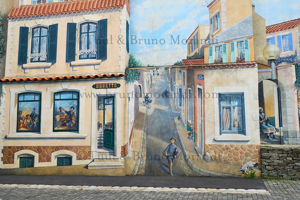 France, Vendée (85), Les Sables-d'Olonne, quartier de La Chaume, fresque place Sainte Anne // France, Vendée, Les Sables-d'Olonne, La Chaume district