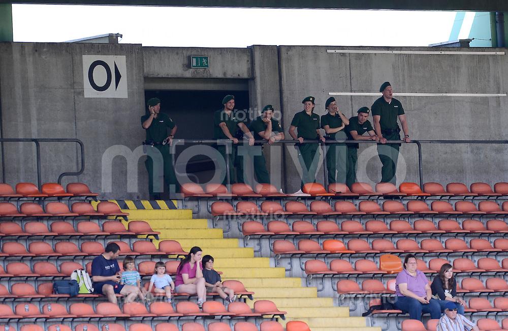FUSSBALL  U19 A Junioren Bundesliga   SAISON  2011/2012    14. Spieltag   02.05.2012 TSV 1860 Muenchen - FC Bayern Muenchen Polizei Einsatzkraefte im Gruenwalder Stadion