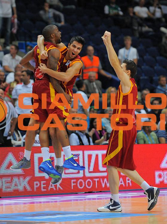 DESCRIZIONE : Vilnius Lithuania Lituania Eurobasket Men 2011 Second Round Georgia Macedonia Georgia FYR of Macedonia<br /> GIOCATORE : Team Macedonia FYR of Macedonia<br /> SQUADRA : Macedonia FYR of Macedonia<br /> EVENTO : Eurobasket Men 2011<br /> GARA : Georgia Macedonia Georgia FYR of Macedonia<br /> DATA : 08/09/2011 <br /> CATEGORIA : esultanza jubilation<br /> SPORT : Pallacanestro <br /> AUTORE : Agenzia Ciamillo-Castoria/T.Wiendesohler<br /> Galleria : Eurobasket Men 2011 <br /> Fotonotizia : Vilnius Lithuania Lituania Eurobasket Men 2011 Second Round Georgia Macedonia Georgia FYR of Macedonia<br /> Predefinita :
