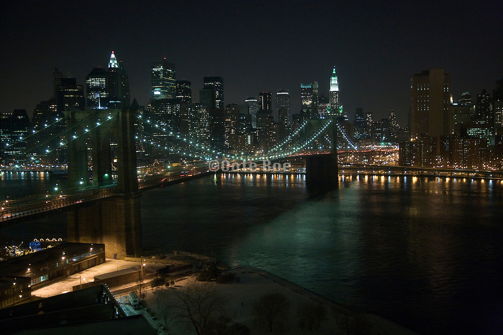 Brooklyn bridge with the Manhattan financial district in the background