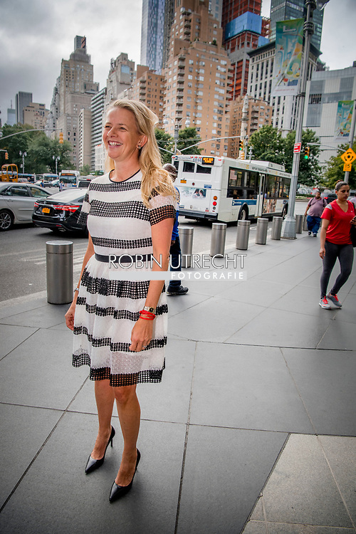 NEW YORK princess mabel in new york city ROBIN UTRECHT