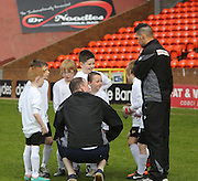 Manchester United team talk - Dundee United J-League Finals at Tannadice. .© David Young - www.davidyoungphoto.co.uk - email: davidyoungphoto@gmail.com