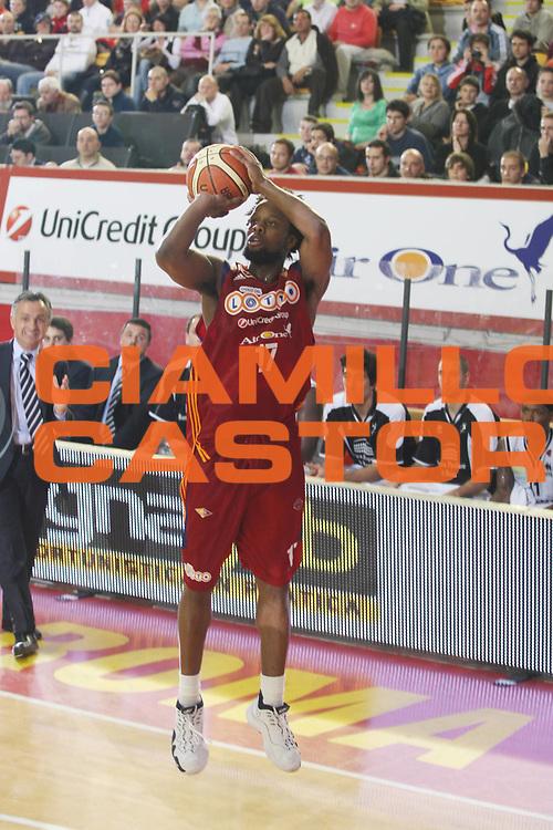 DESCRIZIONE : Roma Lega A 2008-09 Lottomatica Virtus Roma Carife Ferrara<br /> GIOCATORE : Ruben Douglas<br /> SQUADRA : Lottomatica Virtus Roma<br /> EVENTO : Campionato Lega A 2008-2009<br /> GARA : Lottomatica Virtus Roma Carife Ferrara<br /> DATA : 29/03/2009<br /> CATEGORIA : Tiro<br /> SPORT : Pallacanestro<br /> AUTORE : Agenzia Ciamillo-Castoria/G.Ciamillo