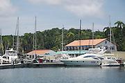 La Marina Shelter Bay se encuentra en Sherman (Panamá) específicamente en Colón. ©Victoria Murillo/Istmophoto.com La marina  de Sherman Bay, ubicado en la provincia de Colon,  fue creado por los Estados Unidos en 1999. Actualmente es una marina de primera clase, cual tiene capacidad para barcos y megayates, tambien cuenta con otros servicios como el de hotel y restaurantes. Panamá. 30 de septiembre de 2011. (Victoria Murillo/Istmophoto)