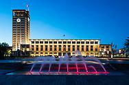 Le Havre centre ville. En grande partie d&eacute;truit pendant la Seconde Guerre mondiale, le centre-ville a &eacute;t&eacute; reconstruit d'apr&egrave;s les plans de l'atelier d'Auguste Perret entre 1945 et 1964, il est inscrit au patrimoine mondial de l'UNESCO depuis 2005.  <br /> L'H&ocirc;tel de Ville, oeuvre des ateliers Auguste Perret / Le Havre city center. Largely destroyed during the Second World War, the city was rebuilt according to the plans of the workshop of Auguste Perret between 1945 and 1964, he was listed as a World Heritage Site by UNESCO since 2005. <br /> The Town Hall, the work of Auguste Perret workshops.