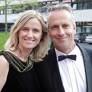 NLD/Hilversum/20120521 - Gala bij 10 jarig overlijden Bart de Graaff, Mirjam en Graaff en partner