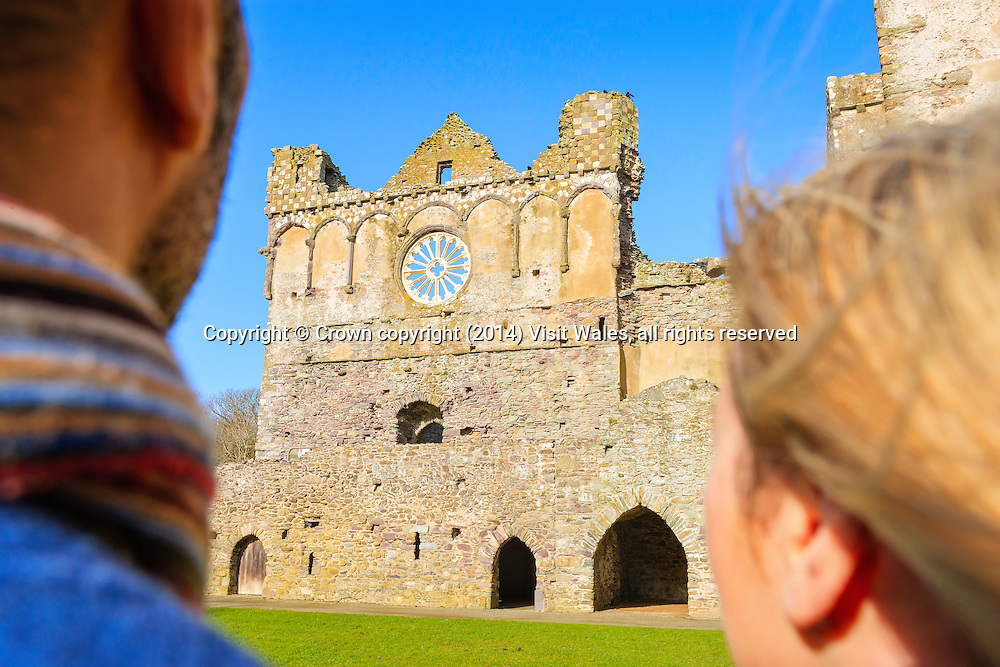 Couple visiting St David's Bishops Palace<br /> Pembrokeshire<br /> South<br /> Lifestyle<br /> People<br /> Historic Sites