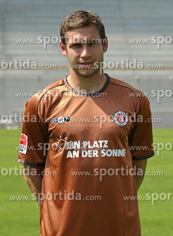 10.07.2010, Millerntor-Stadion, Hamburg, GER, FBL, Fototermin FC St. Pauli, im Bild Moritz Volz (St. Pauli #28)   EXPA Pictures © 2010, PhotoCredit: EXPA/ nph/  Frisch / SPORTIDA PHOTO AGENCY