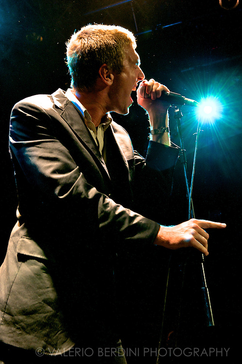 Hamilton Leithauser - The Walkmen .Islington Academy .London - 25/08/2010