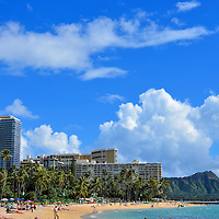 Waikīkī Beach and Diamond Head in Honolulu, O&rsquo;ahu, Hawaii <br />