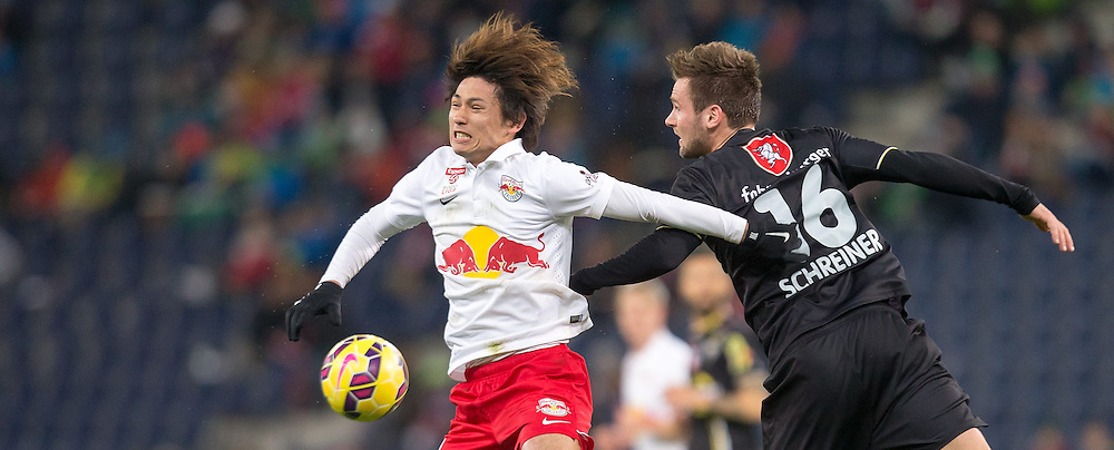 07.03.2015, Red Bull Arena, Salzburg, AUT, 1. FBL, FC Red Bull Salzburg vs SCR Cashpoint Altach, 24. Runde, im Bild v.l.: Takumi Minamino (FC Red Bull Salzburg, #18), Emanuel Schreiner, (SCR Altach, #16) // during Austrian Football Bundesliga 24th round Match between FC Red Bull Salzburg and SCR Cashpoint Altach at the Red Bull Arena, Salzburg, Austria on 2015/03/07. EXPA Pictures © 2015, PhotoCredit: EXPA/ JFK