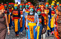 After being canceled to the Gerland stadium in 2017, following the risk of attacks, the parade of the biennale of dance, found the streets of Lyon, Sunday, September 16. The biggest choreographic parade in Europe has paraded for peace ... Under high security.