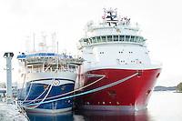 Far Sagaris (t.h.) fra Farstad Shipping  ligger i opplag i Ålesund under oljekrisen 2016.<br /> Foto: Svein Ove Ekornesvåg