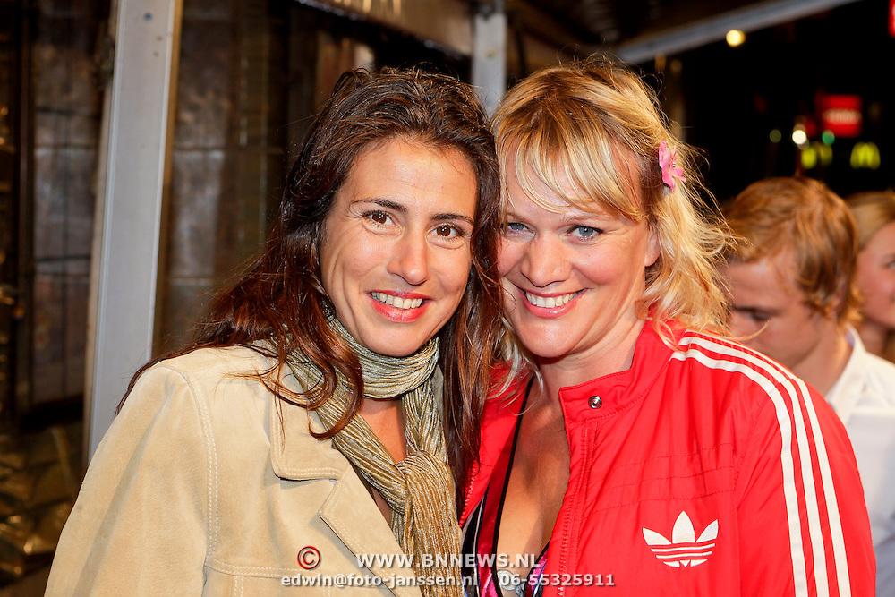 NLD/Amsterdam/20111011 - Premiere Razend,