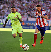 Atletico de Madrid´s Guilherme Siqueira and FC Barcelona´s Daniel Alves during 2014-15 La Liga match between Atletico de Madrid and FC Barcelona at Vicente Calderon stadium in Madrid, Spain. May 17, 2015. (ALTERPHOTOS/Luis Fernandez)