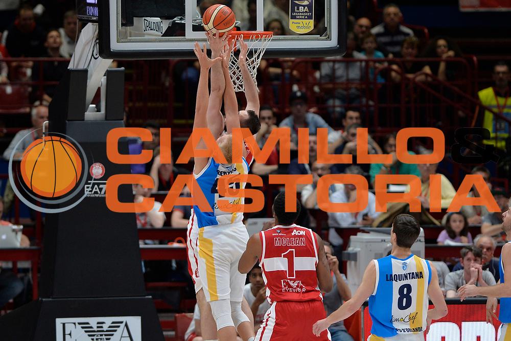 Milan Macvan,Janis Berzins<br /> Olimpia EA7 Emporio Armani Milano vs Vanoli Cremona<br /> Lega Basket Serie A 2016/2017<br /> PlayOff semifinale gara 2<br /> Milano 14/05/2017<br /> Foto Ciamillo-Castoria / I.Mancini