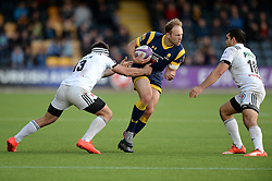 Chris Pennell of Worcester Warriors is challenged by Arnaud Mignardi of Brive - Mandatory by-line: Dougie Allward/JMP - 22/10/2016 - RUGBY - Sixways Stadium - Worcester, England - Worcester Warriors v Brive - European Challenge Cup