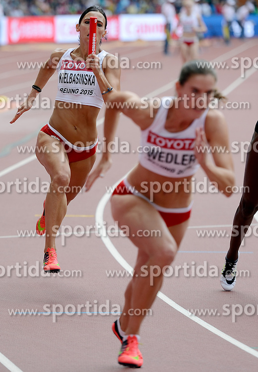 29-08-2015 CHN: IAAF World Championships Athletics day 7, Beijing<br /> Anna KIELBASINSKA and Weronika WEDLER at 4 x 100m Women Photo by Ronald Hoogendoorn / Sportida