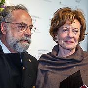 NLD//Amsterdam20160415 - Première 'Roméo et Juliette', Neelie Kroes en advocaat Oscar Hammerstein