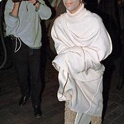 19941122-Musician Prince - Berlin Airport - 1994