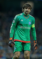 MANCHESTER, ENGLAND - Tuesday, March 15, 2016: FC Dynamo Kyiv's goalkeeper Olexandr Shovkovskiy in action against Manchester City during the UEFA Champions League Round of 16 2nd Leg match at the City of Manchester Stadium. (Pic by David Rawcliffe/Propaganda)