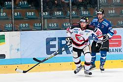 02.11.2012, Hostan Arena, Znojmo, CZE, EBEL, HC Orli Znojmo vs SAPA Fehervar, 18. Runde, im Bild Jan Lattner l (Znojmo #89) Tyler Metcalfe (Fehérvár #10) // during the Erste Bank Icehockey League 18nd round match betweeen HC Orli Znojmo and SAPA Fehervar at the Hostan Arena, Znojmo, Czech Republic on 2012/11/02. EXPA Pictures © 2012, PhotoCredit: EXPA/ Rostislav Pfeffer