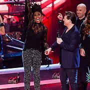 NLD/Hilversum/20121214 - Finale The Voice of Holland 2012, prijsuitreiking aan Leona Phillipo