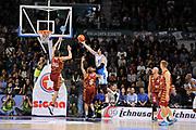 DESCRIZIONE : Campionato 2015/16 Serie A Beko Dinamo Banco di Sardegna Sassari - Umana Reyer Venezia<br /> GIOCATORE : Joe Alexander<br /> CATEGORIA : Tiro Penetrazione Sottomano Controcampo<br /> SQUADRA : Dinamo Banco di Sardegna Sassari<br /> EVENTO : LegaBasket Serie A Beko 2015/2016<br /> GARA : Dinamo Banco di Sardegna Sassari - Umana Reyer Venezia<br /> DATA : 01/11/2015<br /> SPORT : Pallacanestro <br /> AUTORE : Agenzia Ciamillo-Castoria/C.Atzori