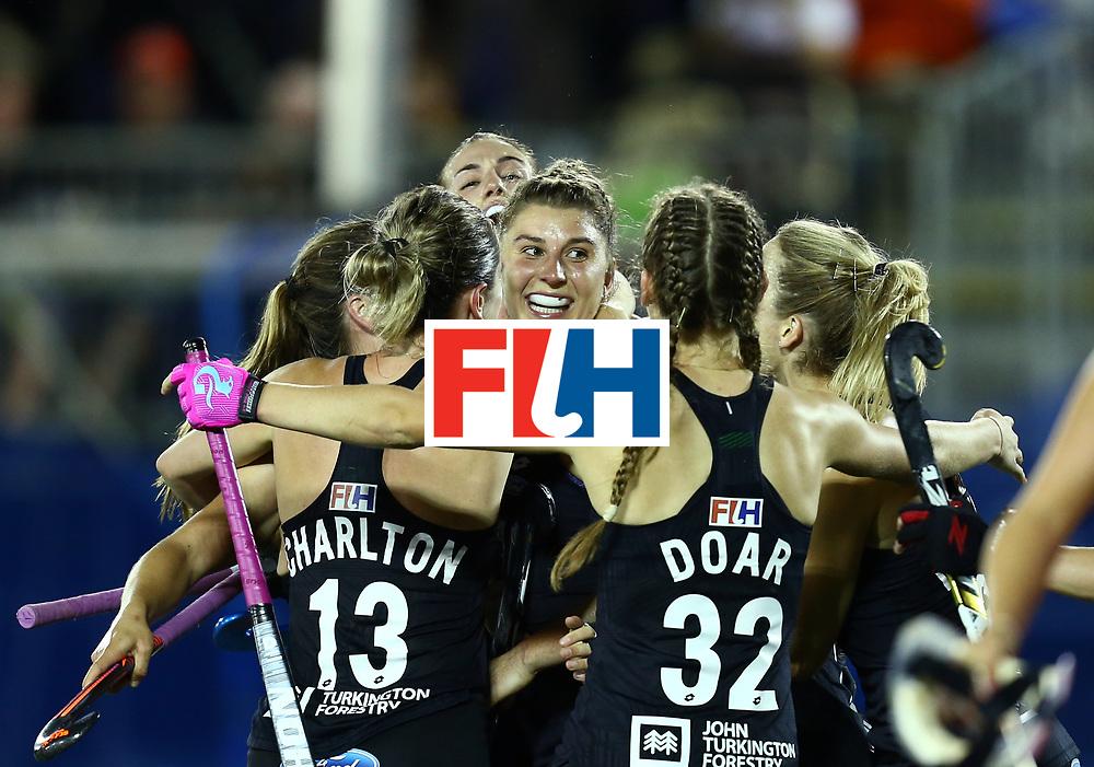 New Zealand, Auckland - 24/11/17  <br /> Sentinel Homes Women&rsquo;s Hockey World League Final<br /> Harbour Hockey Stadium<br /> Copyrigth: Worldsportpics, Rodrigo Jaramillo<br /> Match ID: 10310 - ENG-NZL<br /> Photo: (4) MERRY Olivia, (24) KEDDELL Rose celebraiting, (13) CHARLTON Samantha&nbsp;(C) (12) GUNSON Ella, (32) DOAR Madison