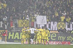 05.12.2010, EasyCredit Stadion, GER, Nuernberg, 1. FBL, 1. FC Nuernberg vs Borussia Dortmund, im Bild Die Mannschaft von Dortmund jubelt ueber das 0:2 EXPA Pictures © 2010, PhotoCredit: EXPA/ nph/  Becher       ****** out ouf GER ******