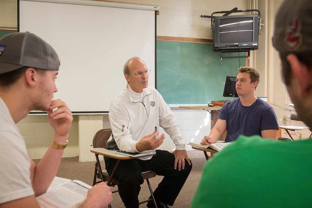 Photographs of Professor Dan Dahlen during a class at the Ohio University College of Business at the Research and Technology building on the Ohio University Campus in Athens, Ohio on Oct. 7, 2015.<br /> <br /> [Photo by Joel Prince]