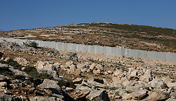 West Bank. General view of the Wall going through the countryside in the West Bank, May 7th, 2008. Picture by Andrew Parsons / i-Images