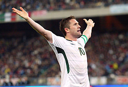 Robbie Keane scores a goal during the FIFA 2010 World Cup Qualifier between Italy and The Republic of Ireland in the Stadio San Nicola on April 1, 2009 in Bari, Italy.