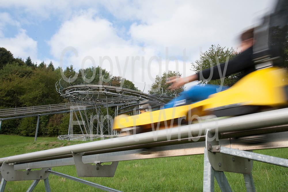 Sommerrodelbahn, Wiegand Erlebnisberge, Wald-Michelbach, Odenwald, Naturpark Bergstraße-Odenwald, Hessen, Deutschland | summer-toboggan run, Wald-Michelbach, Odenwald, Hesse, Germany