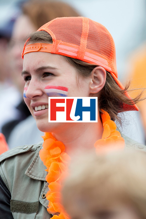THE HAGUE - Rabobank Hockey World Cup 2014 - 10-06-2014 - WOMEN - USA - SOUTH AFRICA - supporter oranje,<br /> Copyright: Willem Vernes